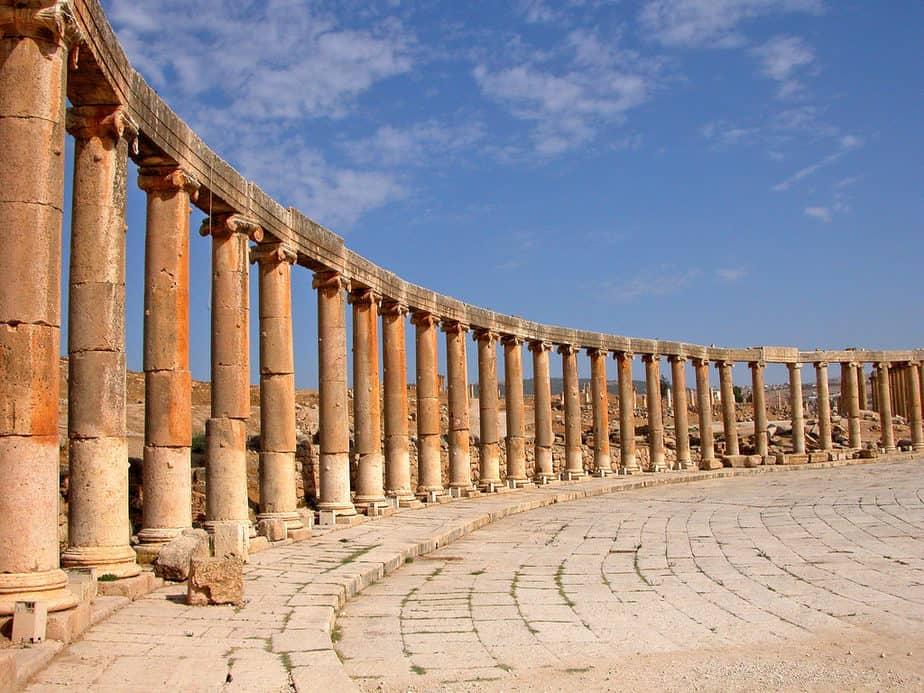 Oval plaza sur les ruines de la cité antique de Gérasa