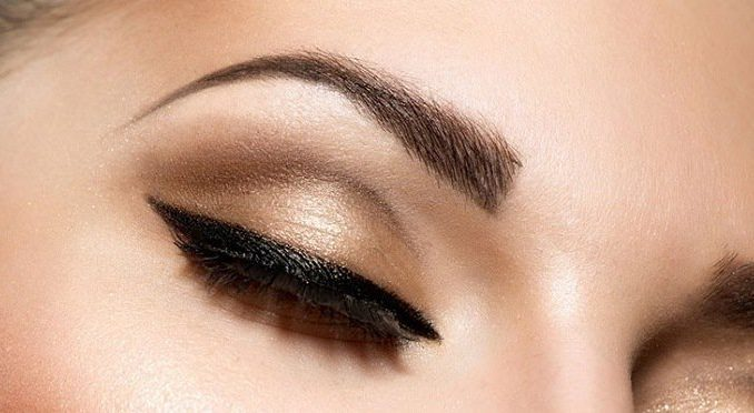 Faire le bon choix de maquillage permanent pour ses sourcils